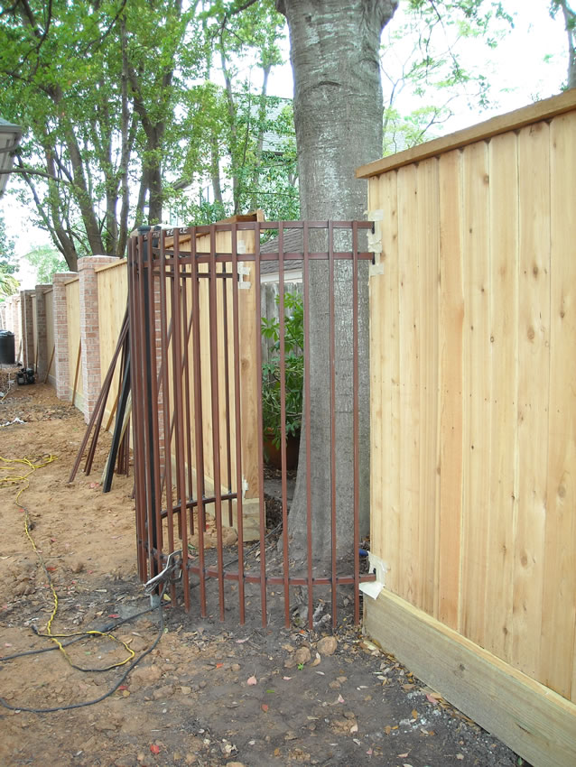 Curved Cactus Fence A Houston Fence Company